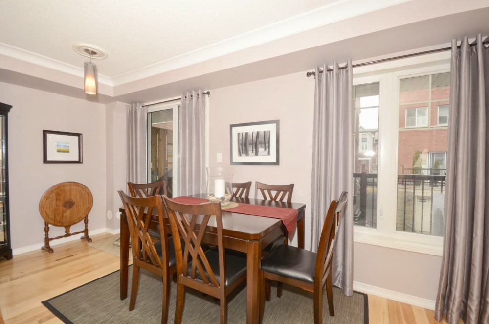 SOLD in 4 DAYS – 3 Bedroom, 2 Bathroom Townhouse in Centennial Gardens