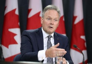 Bank of Canada Governor Stephen Poloz speaks during a news conference in Ottawa, Canada October 21, 2015. REUTERS/Chris Wattie